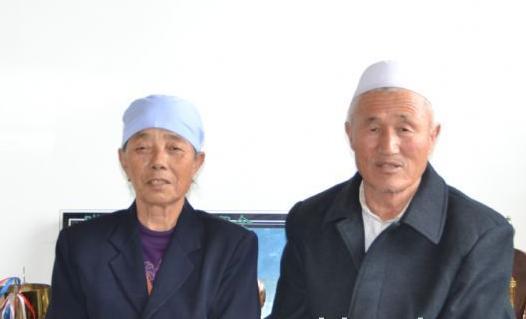真正的陋棚鸽舍夺冠军 访灵武二关冠军74岁老人