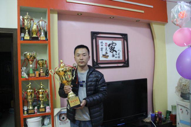 从冠军到俱乐部总经理 西安鸽坛新星相柯(图)