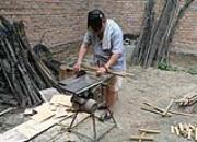中国好爸爸:在老家帮做鸽窝养鸽子