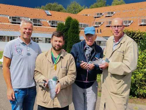 荷兰爱亚卡普18年冠军及鸽王欣赏